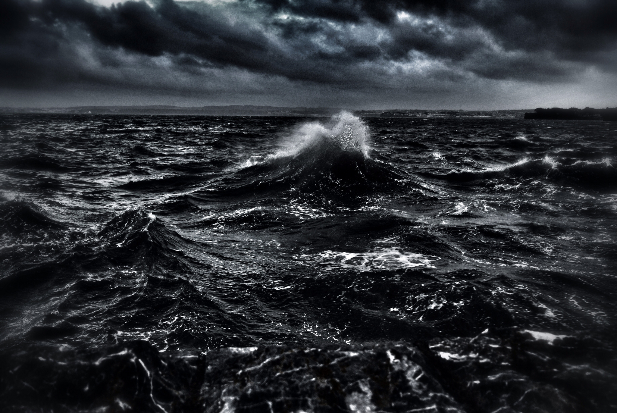 Dark Ocean Waves Free Wallpapers