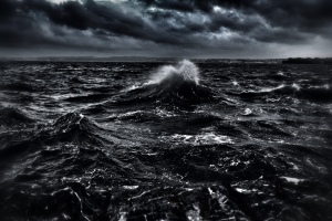 ocean image in black and white